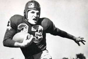 dd58fa32 Baugh, member of inaugural Hall of Fame class, dies at 94 | NFL.com