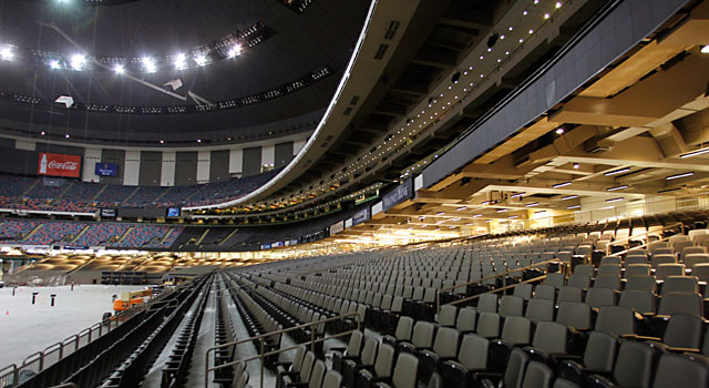 Superdome 39 s post katrina rebuild brings pride to new for Mercedes benz superdome suites