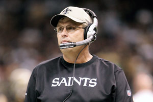 Gregg Williams decided to stay with the New Orleans Saints as defensive coordinator rather than interview for the Denver Broncos' head-coaching job.