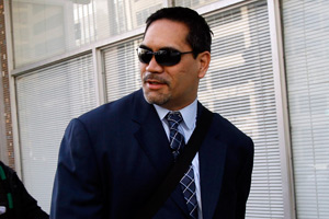 NFLPA president Kevin Mawae arrives at Tuesday's federal mediation session -- his first appearance this week -- in Washington.