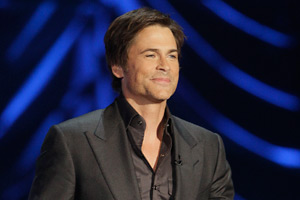 Rob Lowe is trying to add NFL reporter to his list of accolades.
