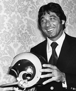 The smile didn't last long for Joe Namath in Los Angeles.