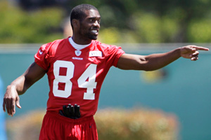 Randy Moss worked his new look on the practice field for the 49ers.