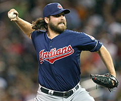 Cleveland Indians closer Chris Perez had some choice words for Browns fans.