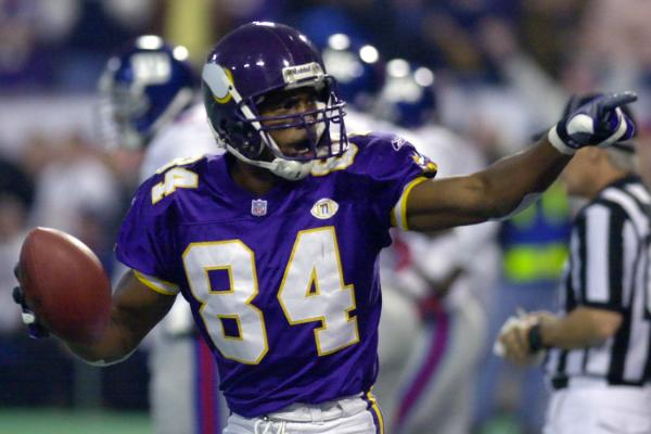 <h4>No. 6: Randy Moss, Monday, November 19, 2001</h4>