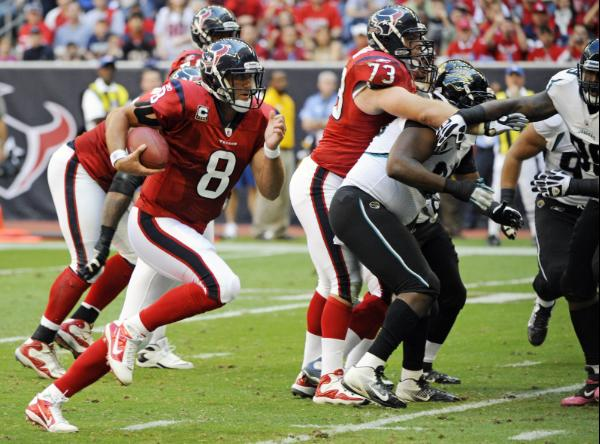 Matt Schaub runs in a touchdown
