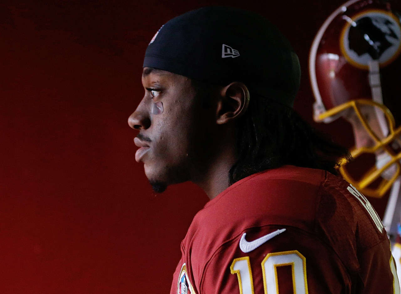 "Washington Redskins QB Robert Griffin III is tied for the NFL lead in passer rating (104.2). RG3 can become the first rookie quarterback since <a href=""http://www.nfl.com/videos/nfl-network-top-ten/09000d5d807434bc/Top-Ten-One-Shot-Wonders-Greg-Cook"" target=""new"">Greg Cook</a> did so for the Cincinnati Bengals in 1969 (88.3 rating)."