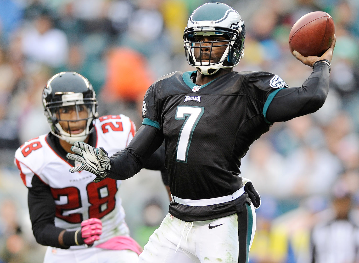mike vick article Four-time pro bowl quarterback michael vick, who officially retired this offseason, would like to return to the nfl -- as a coach i would love to coach in the national football league one day.