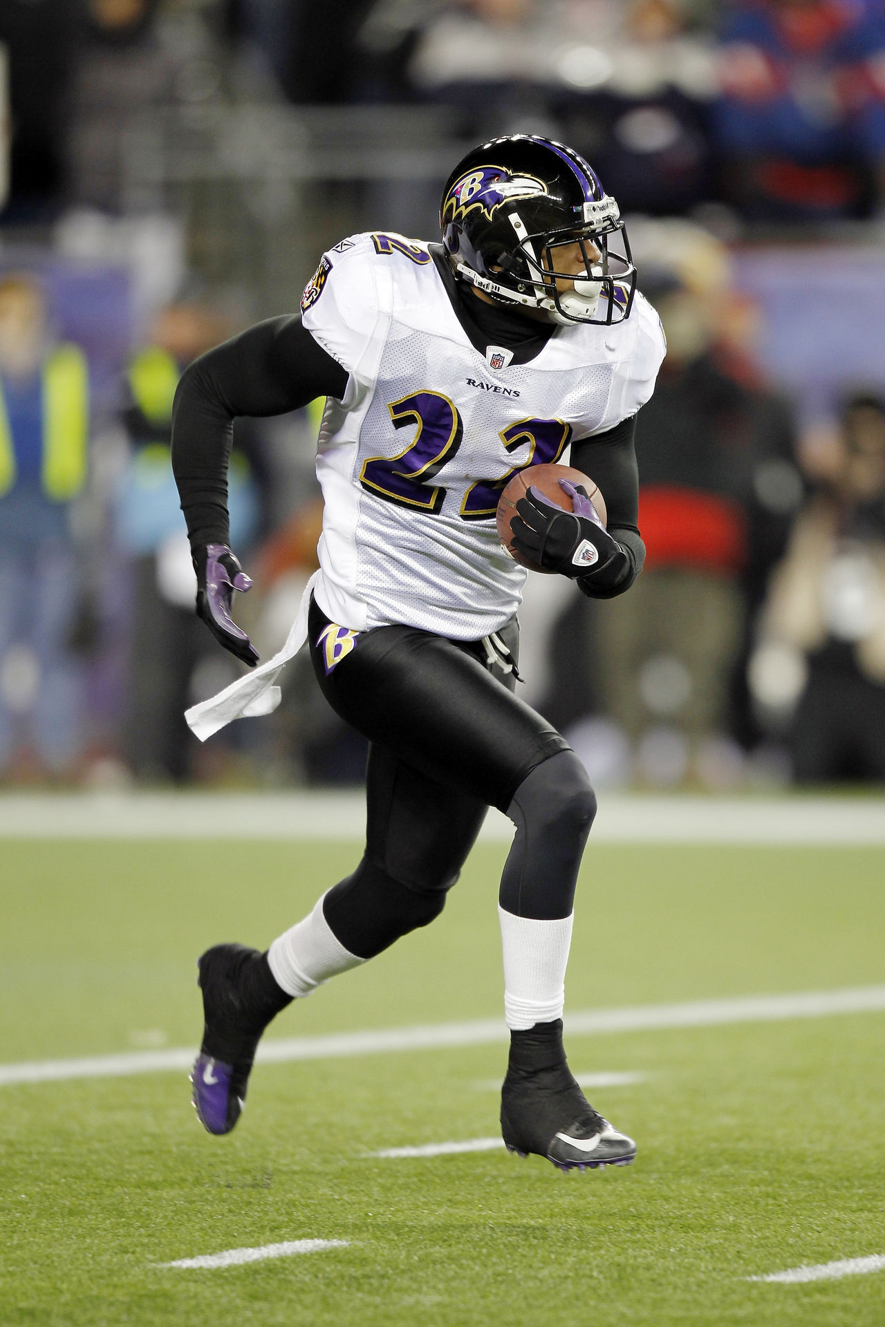 http://static.nfl.com/static/content/public/pg-photo/2013/06/17/0ap2000000212704/jimmy-smith-db-baltimore-ravens_pg_600.jpg