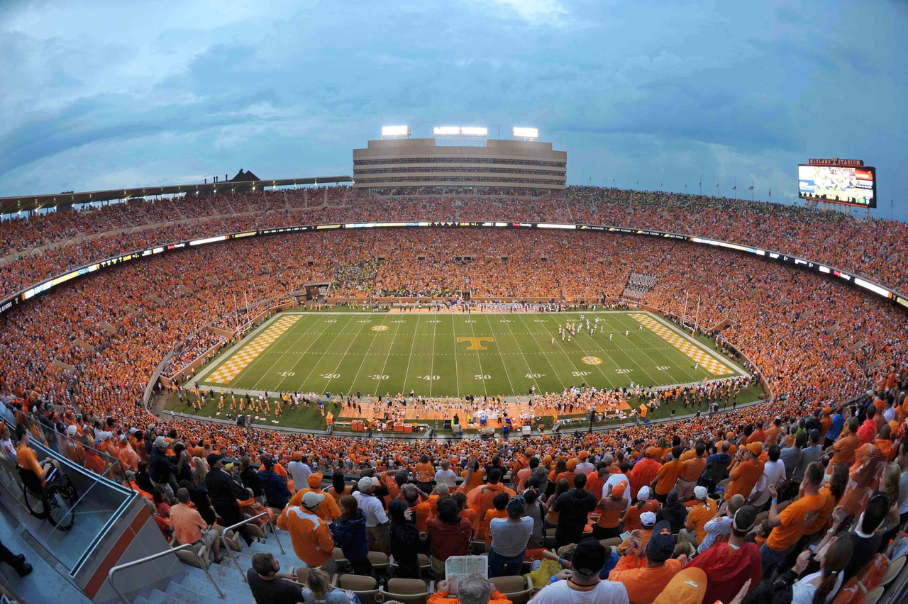 The line is up to -9 for Tennessee | Kentucky Sports Radio