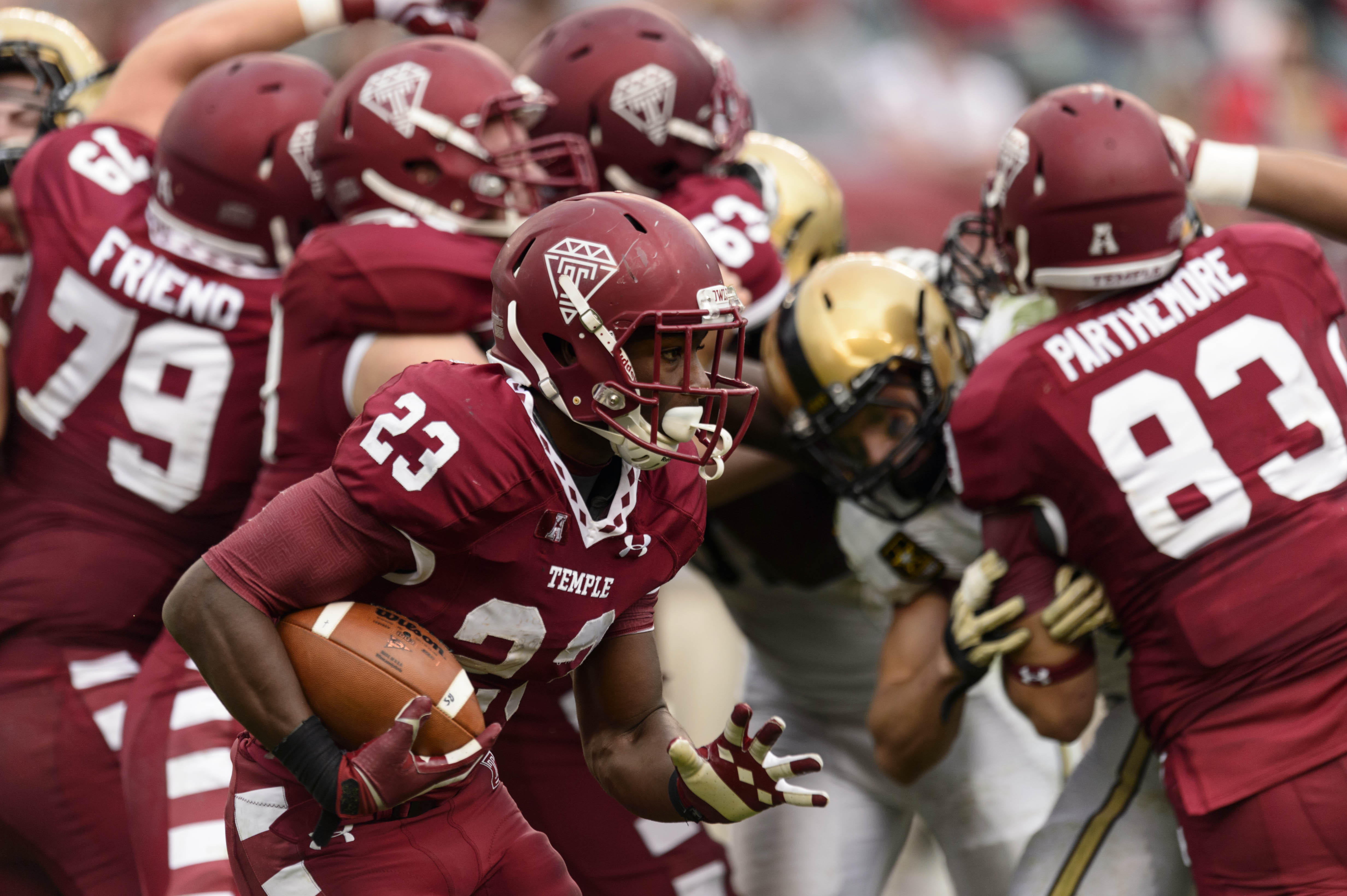 Oct 19, 2013; Philadelphia, PA, USA; Temple Owls running back Zaire Williams (23) carries the ball during the fourth quarter against the Army Black Knights at Lincoln Financial Field. Temple defeated Army 3-14. (Howard Smith-USA TODAY Sports)