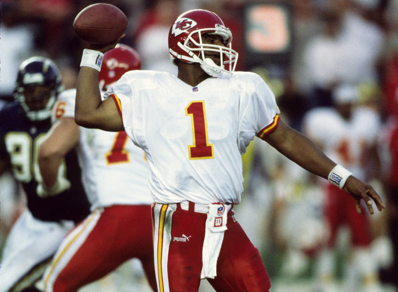 warren-moon-kansas-city-chiefs-44-years-8-days-old-2000_pg_600.jpg