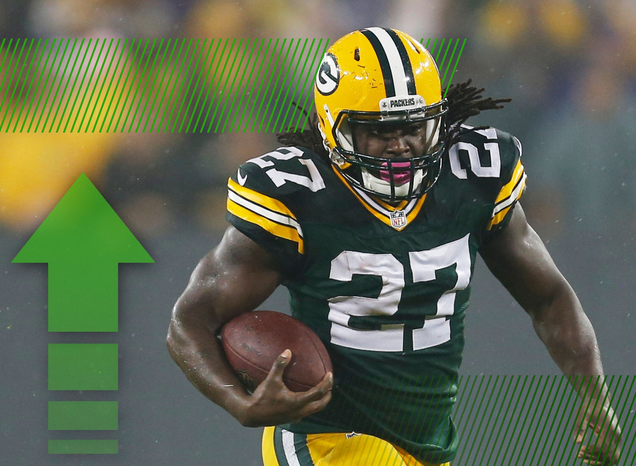 Lacy owners had rightfully been panicking after he failed to rush for more than 50 yards in any of his first four games. Well, that changed in a hurry on Thursday night, as Lacy rushed for 59 yards in the first quarter alone. The big back looked more confident, trusting his blockers and making appropriate reads to burst through the holes. And once he was loose, he punished the Minnesota defense for yards after contact. It was one week, but Lacy looks like he's back.