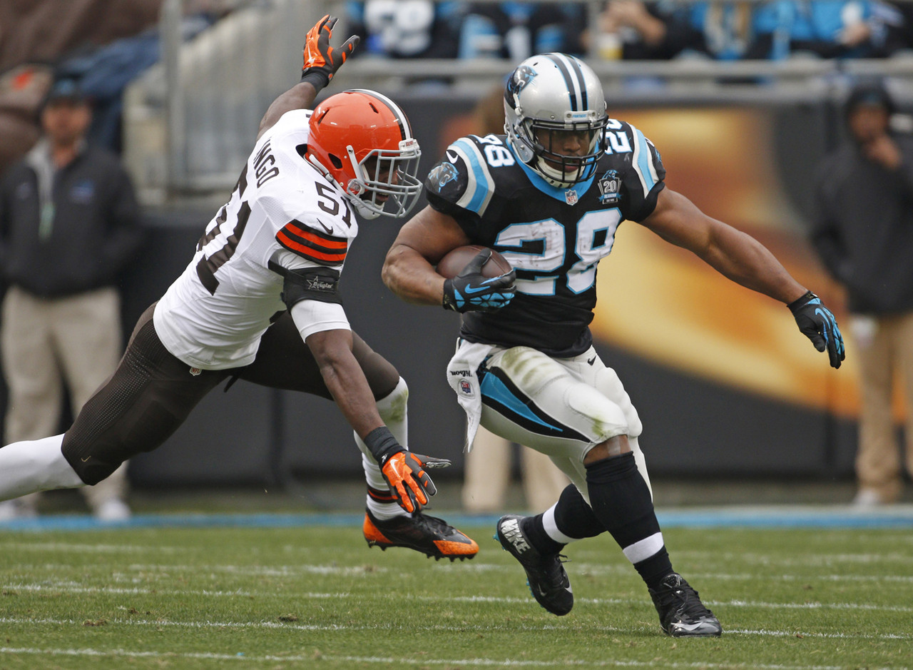 Stewart has been on this list for several weeks, but he's still a free agent in over 60 percent of NFL.com leagues. That's a surprise when you consider that he's scored 11 or more fantasy points in three of his last four games. That includes a season-best 18.9 fantasy points with 122 rushing yards and one touchdown in a win over the Cleveland Browns. Stewart faces Atlanta's bad run defense next.