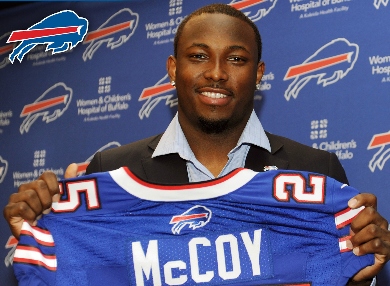 You might think McCoy is a fantasy loser because he left the system of former coach Chip Kelly, but that's not true. Now guaranteed to see right around 25 touches per game, the Pittsburgh product doesn't lose a lot of value. When you also consider how much new coach Rex Ryan loved to run the football while with the New York Jets and well, McCoy should have more than his share of opportunities to produce.
