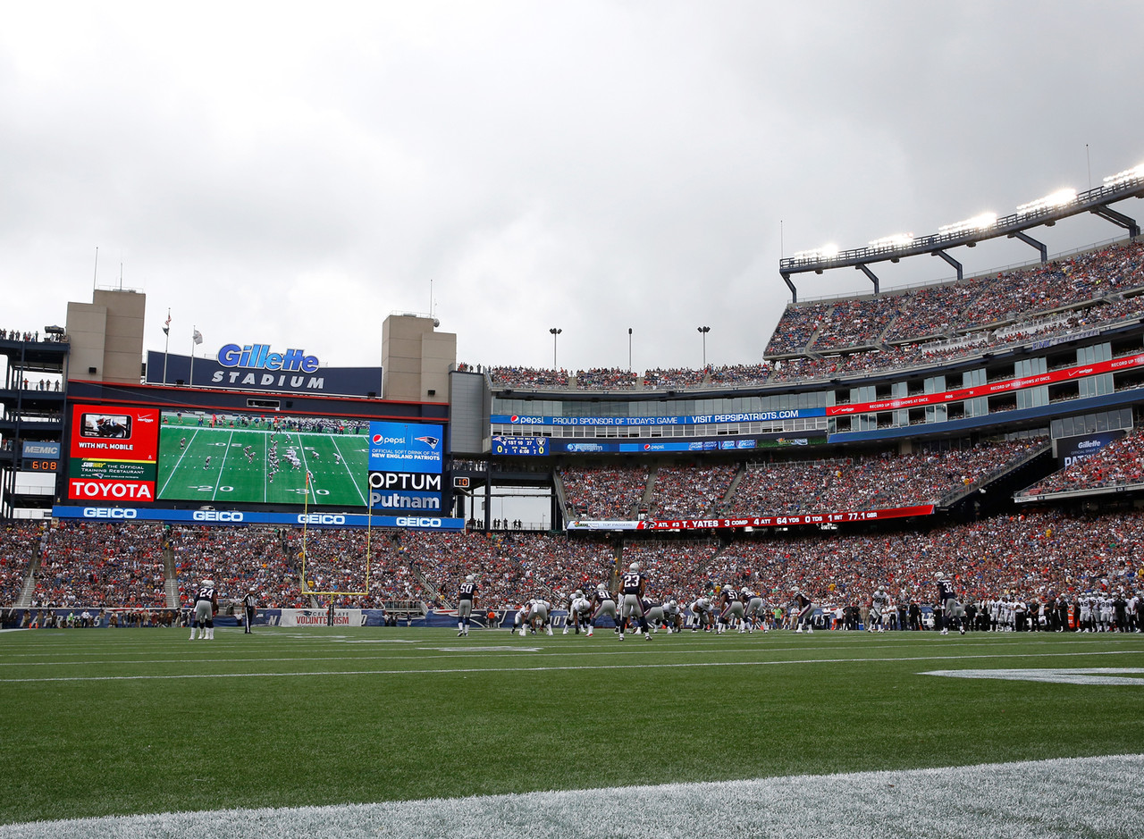 """There's only one place to start this journey, and that's at the NFL Kickoff Game. Watch the defending champion New England Patriots square off against Ben Roethlisberger and the Pittsburgh Steelers in a clash of top AFC powers. <a href=""""http://www.ticketexchangebyticketmaster.com/NFL/?intcmp=tm109833&wt.mc_id=NFL_LEAGUE_200x200_SCHED_ANNOUNCE"""" target=""""_blank"""">GET TICKETS</a>"""