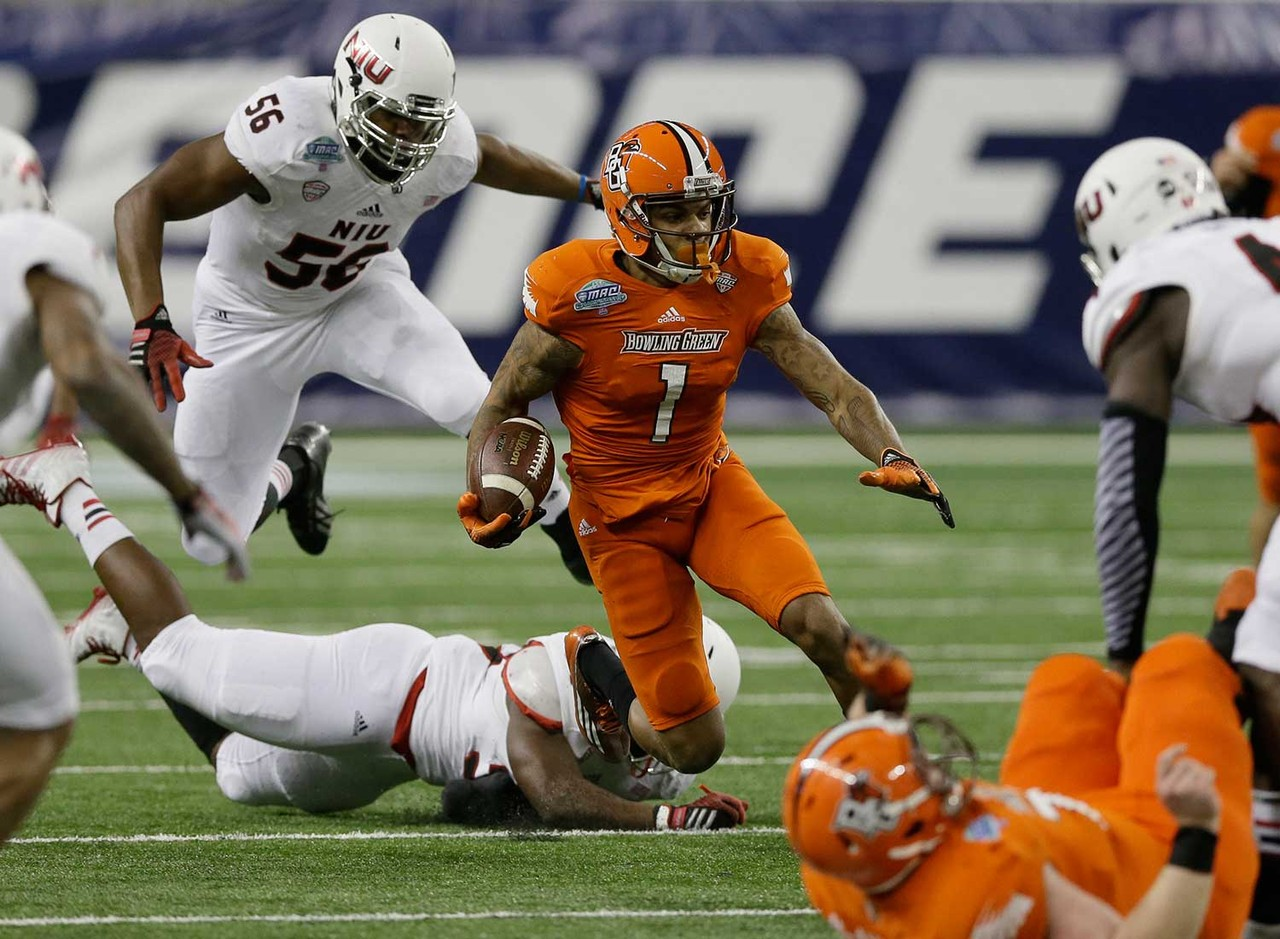 <b>The particulars:</b> 6-foot-0, 196 pounds, sophomore<br /> <b>The skinny:</b> Lewis burst on the scene in a big way as a true freshman last season, being named first-team All-MAC after catching 73 passes for 1,093 yards and seven TDs. Eleven of his receptions went for at least 30 yards, with nine going for at least 40, five at least 50 and three at least 60. His seven TD receptions averaged 46 yards, and two were game-winners in the final minute.