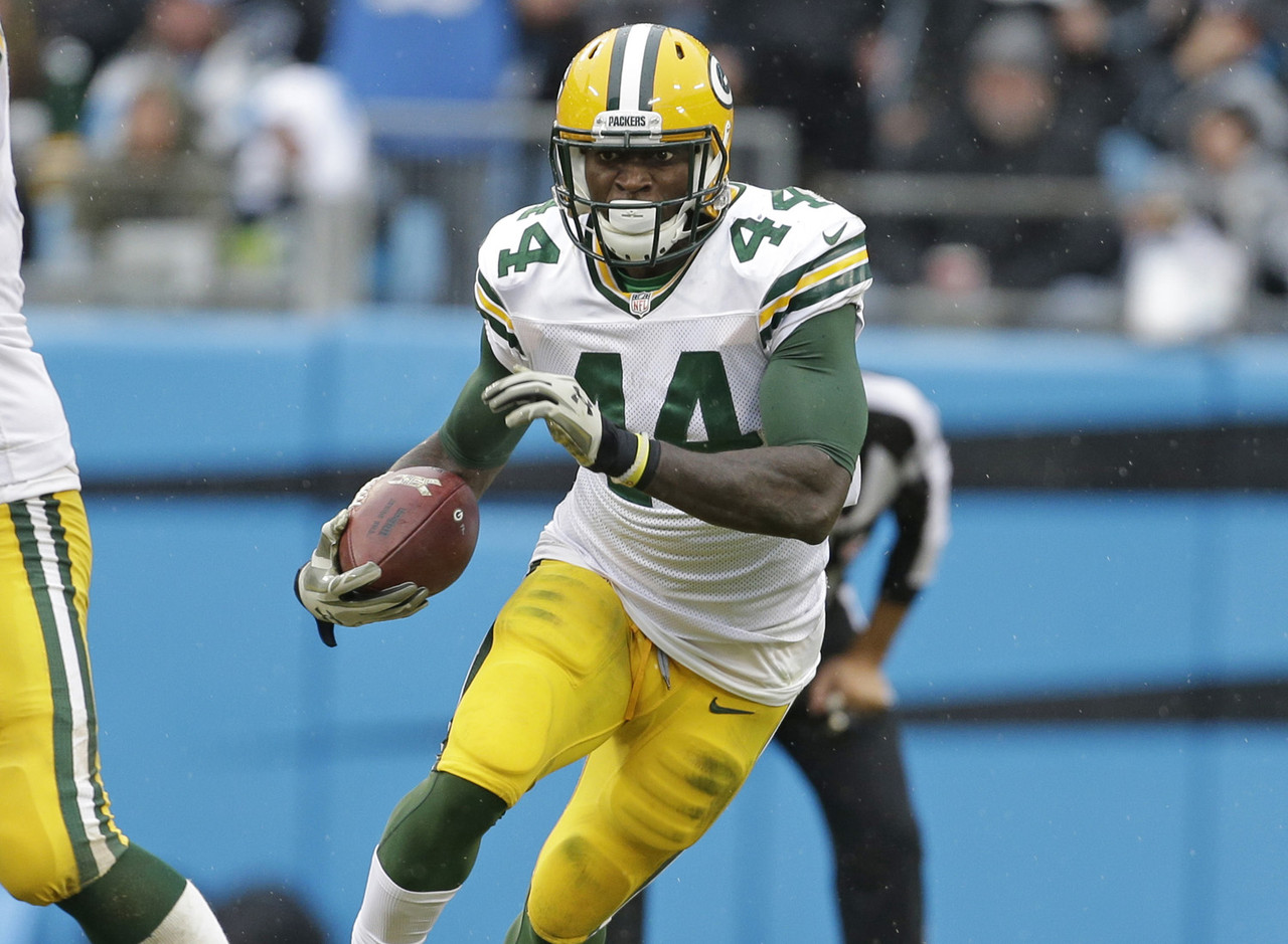 It was a lonely endeavor defending Eddie Lacy the last few weeks, but I stood firm. Now, there's enough proof on game film that for 2015, James Starks is the superior running back for the Packers and fantasy owners. Lacy isn't droppable yet, but in two of the last three weeks he's been severely out-played by Starks. Starks took his 16 touches for 122 total yards and a touchdown, while Lacy's five touches went for 10 yards and a fumble. It doesn't feel at all like the team will turn away from Lacy, as he's been a star for them the last two years. However, this will likely turn into a more even split in the backfield, potentially favoring Starks. He should be the top waiver wire pick in most leagues. FAAB suggestion: 50-75 percent.