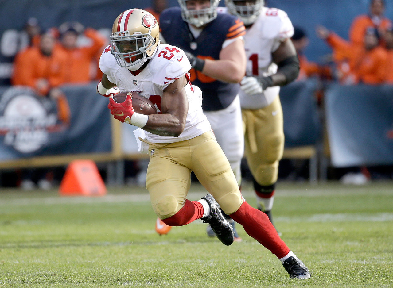 Despite posting 20 touches and 75-plus total yards in three straight games, Draughn barely made a blip on the fantasy radar. Perhaps now that he has found the end zone more owners will start to take notice. Draughn sees a tremendous amount of touches in the San Francisco offense (18 in Week 13) with Carlos Hyde still on the shelf. Up next for Draughn is a date with the free-falling Cleveland Browns, who just made 2015 Jeremy Hill look like 2014 Jeremy Hill. They are also allowing 4.7 yards per carry on the year. For those in need of a high-upside flex play, Draughn is a great add this week.