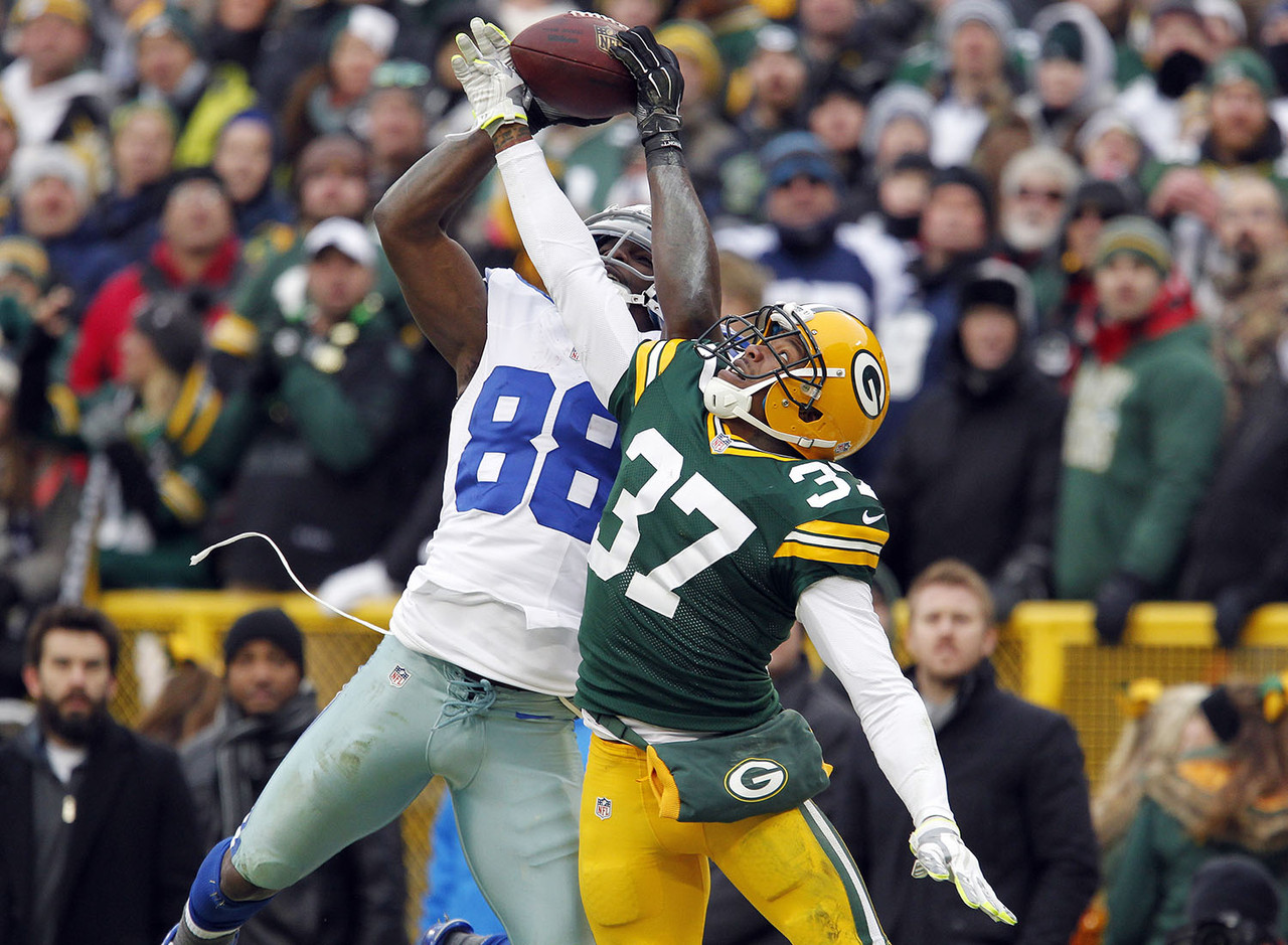 "<a href=""http://www.nfl.com/videos/nfl-game-highlights/0ap3000000456759/Did-Dez-catch-it"" target=""new"">Did Dez Bryant catch it</a>, or didn't he? The play sparked <a href=""http://www.nfl.com/videos/dallas-cowboys/0ap3000000457223/NFL-NOW-Should-the-NFL-make-change-in-lieu-of-Dez-Bryant-catch"" target=""new"">a heaping helping</a> <a href=""http://www.nfl.com/news/story/0ap3000000506688/article/jerry-jones-of-course-dez-bryant-caught-that-ball"" target=""new"">of controversy</a>. Well, it wasn't a catch, the Packers won and advanced to the NFC championship game, in which Green Bay <a href=""http://www.nfl.com/gamecenter/2015011800/2014/POST20/packers@seahawks"" target=""new"">was defeated in epic fashion</a> by the Seattle Seahawks."