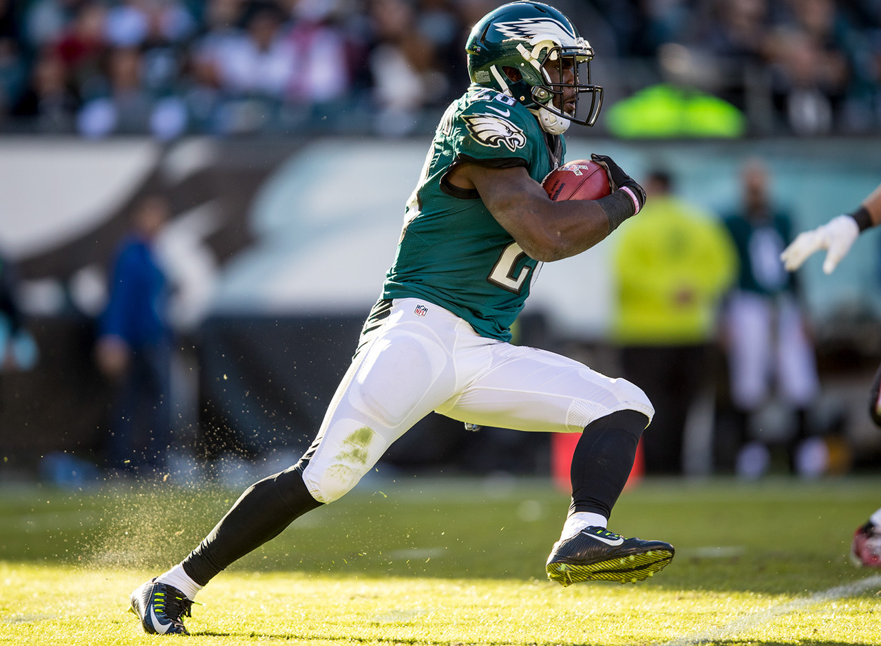 Smallwood was a trendy pickup last week, but his stock is soaring even higher heading into Monday Night Football with Ryan Mathews (knee) officially ruled out. Mathews' status could be up in the air next week, too, so Smallwood makes for a great add as a last-minute spot start this week and a stash for the stretch run. FAAB suggestion: 50 percent.