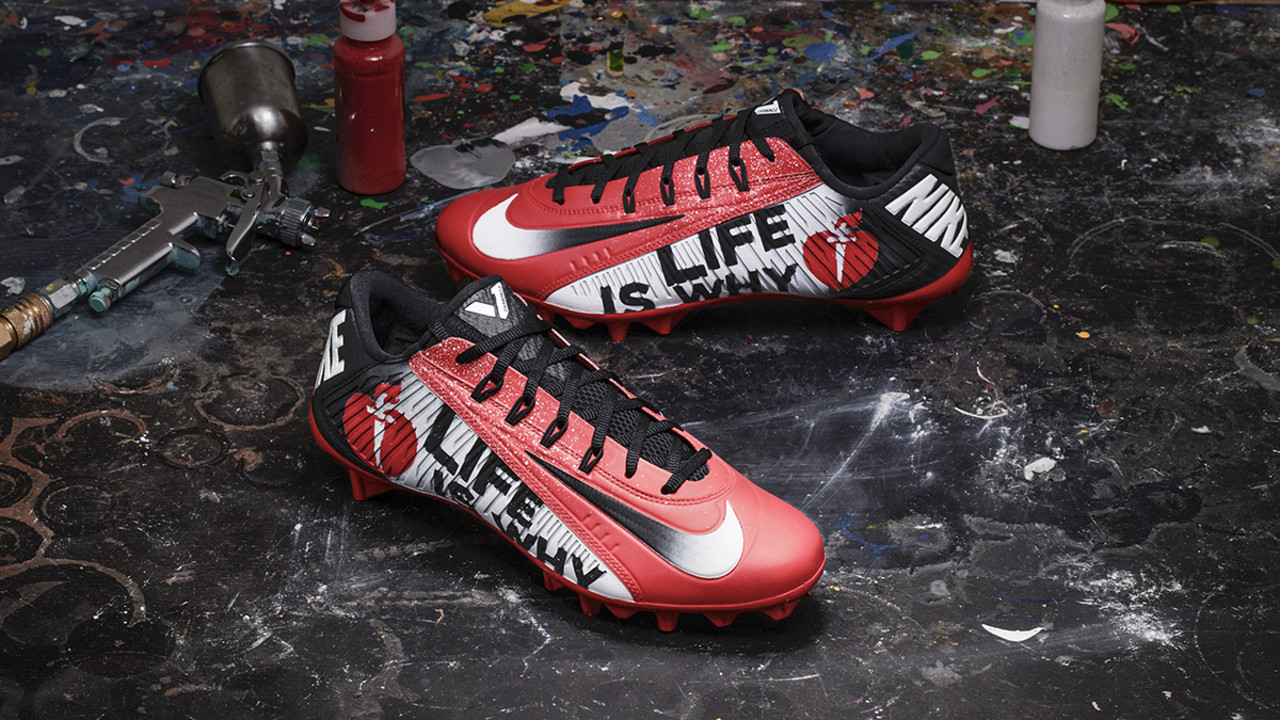 c079ebd9a59 Uni Watch looks at some of the custom cleats being worn in Week 13
