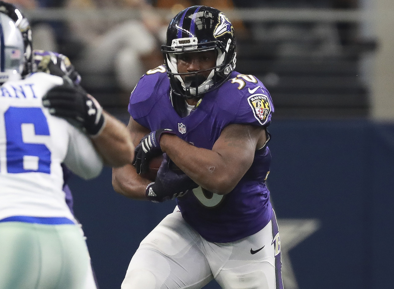 Dixon is clearly the No. 2 option behind Terrance West in Baltimore still, but not by much. Dixon saw 42 percent of the backfield opportunities come his way in Week 13, even though he played on just 33 percent of the snaps to West's 51. Dixon isn't really a viable play outside of deeper PPR leagues, but he's a strong stash candidate for the playoffs.
