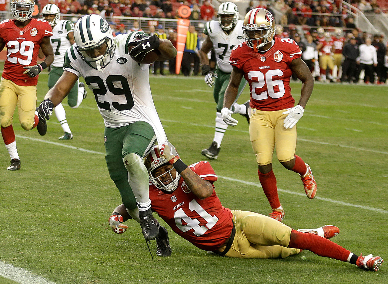 When Matt Forte left Week 14's game with a knee injury, it became Bilal Powell's turn to gash the 49ers embarrassing run defense. He became the third backup, and 10th rusher overall, to accumulate 100-plus yards on the ground against San Francisco (145 to be exact). If Forte remains sidelined, Powell will be a must-start based purely on volume in Week 15 against the Dolphins, as he saw 34 touches on Sunday. Even if Forte comes back, Powell could be deployed in the flex, though.