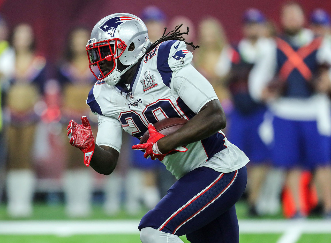 Blount currently doesn't have a job, but it's pretty plausible that he'll be employed before Week 1 kicks off. What's less certain is that he has a repeat performance of last season's top-10 fantasy running back finish. For Blount to hit that height, he needed a career-high 299 carries on his way to just his second 1,000-yard rushing season while racking up an astronomical 18 rushing scores. Wherever he eventually lands, all of those numbers will be nearly impossible to duplicate.