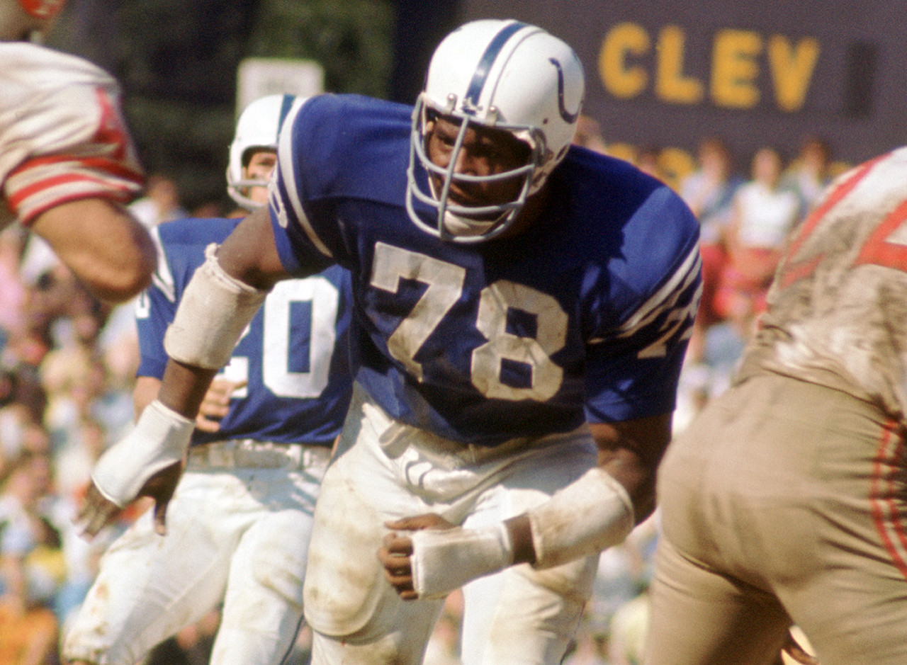 <b>Drafted by:</b> Baltimore Colts, 1967.<br /> <br /> Bubba was a monster to play against when healthy. A better athlete than almost anyone he lined up against, Smith was a major force on the Colts' Super Bowl teams in 1968 and 1970. Unfortunately, knee problems limited Smith's long-term effectiveness; otherwise, he'd be higher on this list. Still, he managed to play nine years in the league while winning a ring in Super Bowl V.
