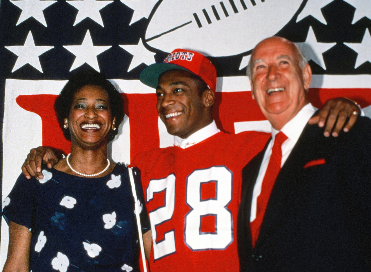 <b>Drafted by:</b> New England Patriots, 1984.<br /> <br /> Fryar struggled early in his career, especially with the incredible expectations of being the top overall pick a year after so many rookies made a huge impact (1983). Over time, though, Fryar developed into a reliable possession receiver who was better in his 30s than he was in his 20s. Fryar played until he was 38 years old -- at wide receiver, no less -- posting 851 career catches and 85 total touchdowns (84 receiving).