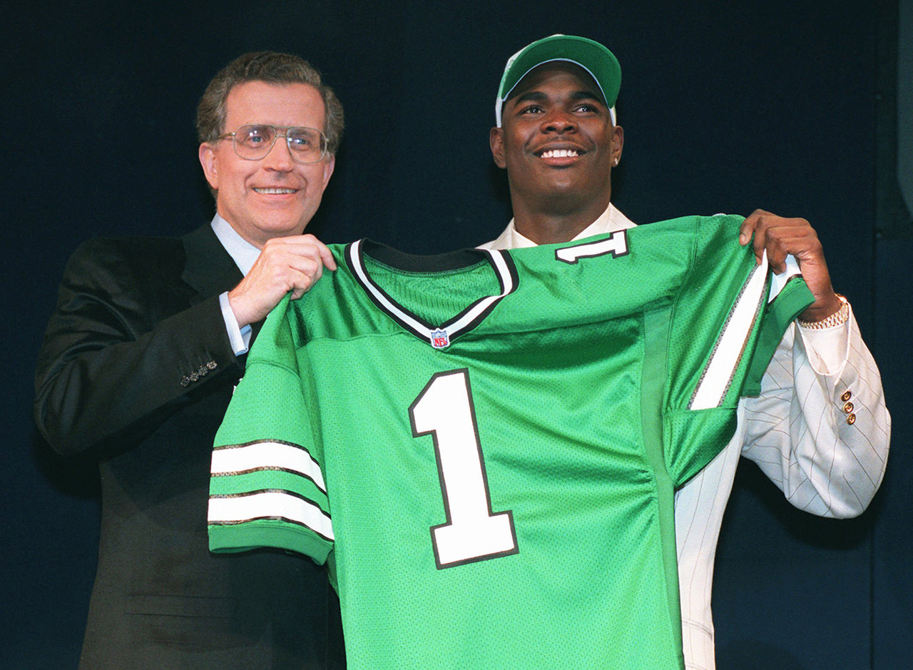 <b>Drafted by:</b> New York Jets, 1996.<br /> <br /> Often discussed more for his mouth than his play, Keyshawn accomplished much during a noteworthy 11-year career with the Jets, Buccaneers, Cowboys and Panthers. He caught 814 balls, posted four 1,000-yard seasons and won a Super Bowl while in Tampa Bay. Unfortunately, Johnson was often seen as a bit of a blowhard. But that didn't make him a bad player.