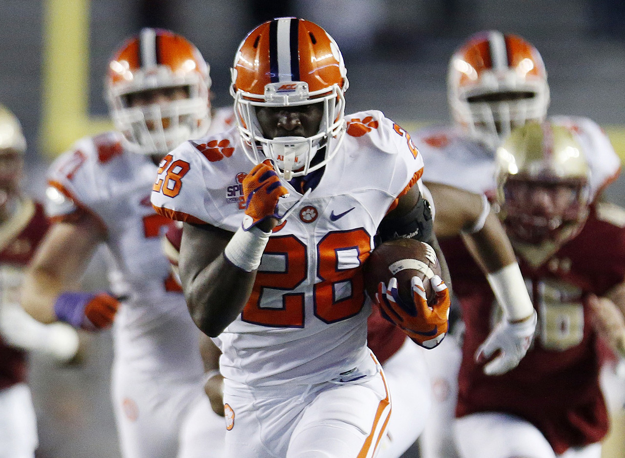 With last year's wave of Clemson offensive skill talent now off to the NFL, excitement is high for Feaster as a future big-play threat. In high school, he broke the South Carolina state record for the 200-meter dash with a time of 21.11 seconds, and in February, he notched a college-best time of 6.88 in the 60-yard dash at Clemson's Tiger Paw Indoor meet. As Wayne Gallman's backup last year, he rushed 37 times for 234 yards.