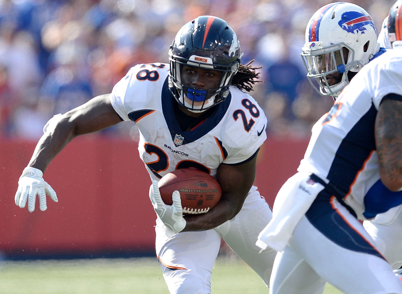 All week I was pounding the table to not sell high on C.J. Anderson, who appeared to be sliding into a rare workhorse role in today's NFL. Well, depsite being on field for 27 more plays than Jamaal Charles, the 30-year-old tied Anderson in touches with 10 and found the end zone. Charles looked good, too, showing his trademark quickness and vision on several jump cuts that felt straight out of 2013. This workload split could revert back to Anderson's favor in a week, but Charles is starting to get more work in a potent offense. He needs to be rostered this week. (Percent owned: 22.4, FAAB suggestion: 15 percent)