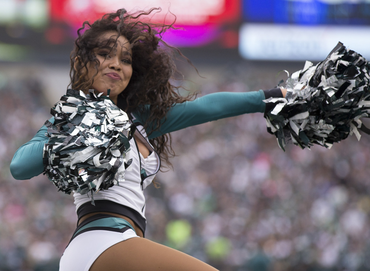 Nfl Cheerleader Of The Week