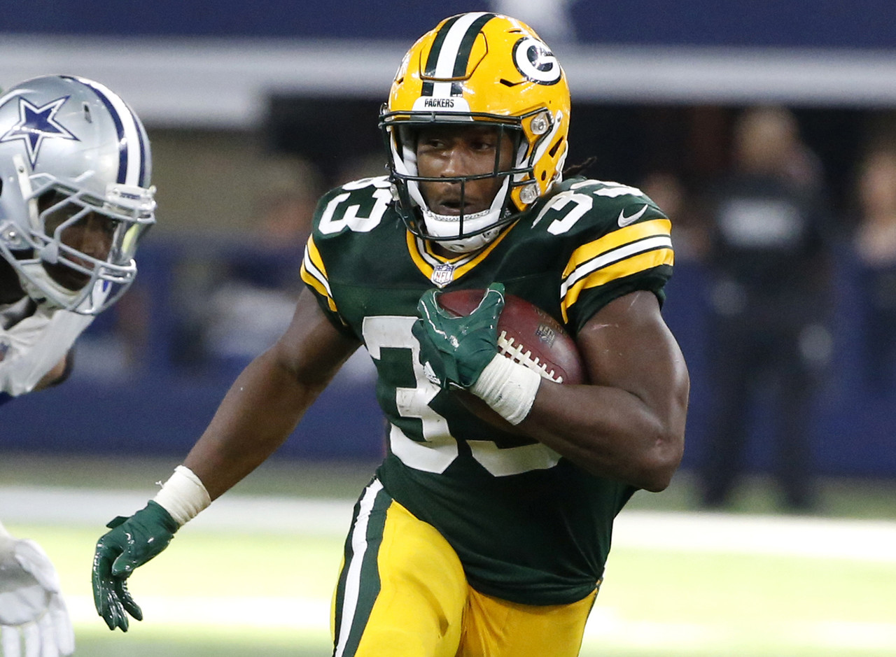 There were a lot of questions surrounding the Packers backfield this week, with Ty Montgomery (ribs) and Jamaal Williams (knee) practicing. Aaron Jones put an end to those questions (for now) with a fantastic performance against the Cowboys. Jones averaged 6.6 yards per carry by taking his 19 totes for 125 yards and a touchdown. He showed great burst, patience, and vision, continuously shooting through Dallas' defense for chunk gains. He played 52 snaps to Williams' two, and might have a stranglehold on the starting job, or at least a large portion of it, even after Montgomery returns. If Jones is still on your waiver-wire, fix that immediately. (Percent owned: 29.8, FAAB suggestion: 50 percent)