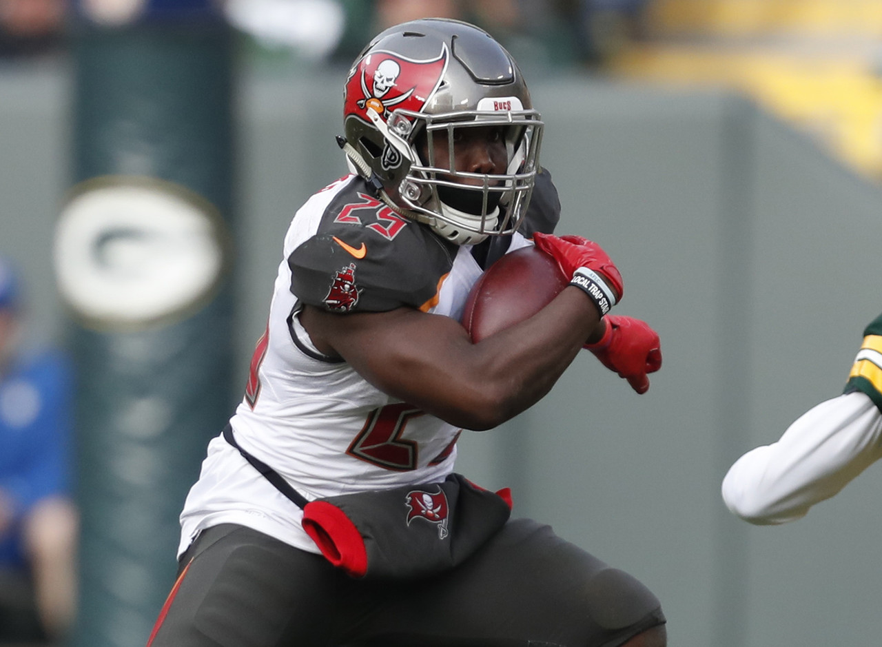 After Doug Martin went down with a concussion last week, all signs pointed to Jacquizz Rodgers stepping in as the next man up. Well, that wasn't the case. It was Peyton Barber, who played nine snaps last week (and scored two touchdowns), who came in to lead the Buccaneers backfield. He handled 27 touches for 143 total yards, and was on the field for 69 percent of the offensive plays. Martin might return next week, but even if he does, the Bucs could keep Barber heavily involved based on this performance. He's the first Bucs back to rush for 100-plus yards this year, and he did it against a Packers run defense that'd been playing pretty well of late.  (Percent owned: 0.3, FAAB suggestion: 20-25 percent)