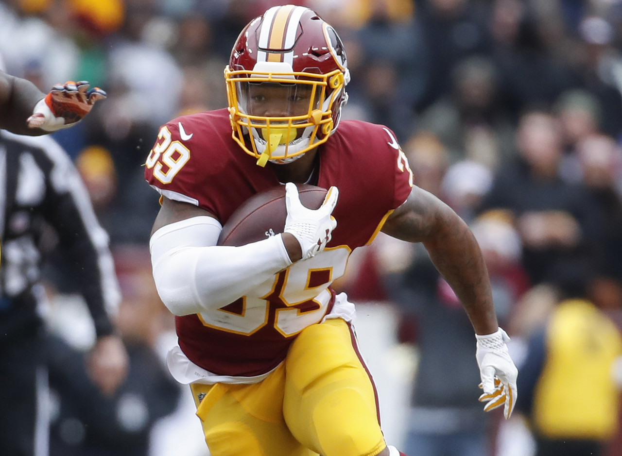 Samaje Perine came into this game questionable with a groin injury, handled 20 touches, and left with an Achilles injury. His status for Week 17 will certainly be in question, which makes journeyman Kapri Bibbs a great target off waivers. Bibbs surprised two weeks ago with a nice catch-and-run for a touchdown on a screen pass, but wasn't very involved against his old team on Sunday (nine touches, 54 yards). Washington may add or activate another running back, but as of right now it's looking like Bibbs could be in line for a featured workload against the suspect Giants run defense in Week 17.  (0.6 percent owned)