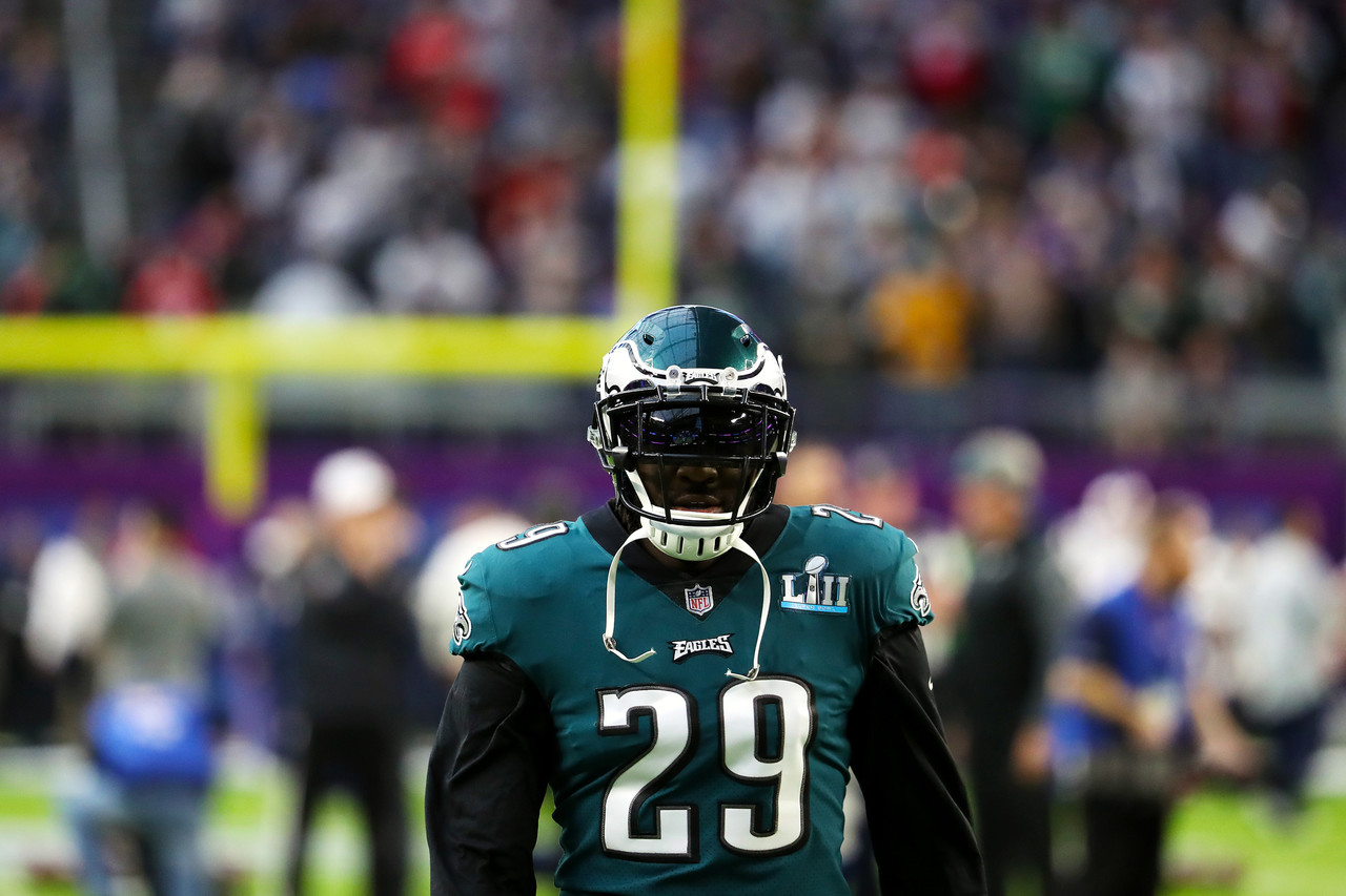 Philadelphia Eagles running back LeGarrette Blount (29) warms up prior to Super Bowl LII.