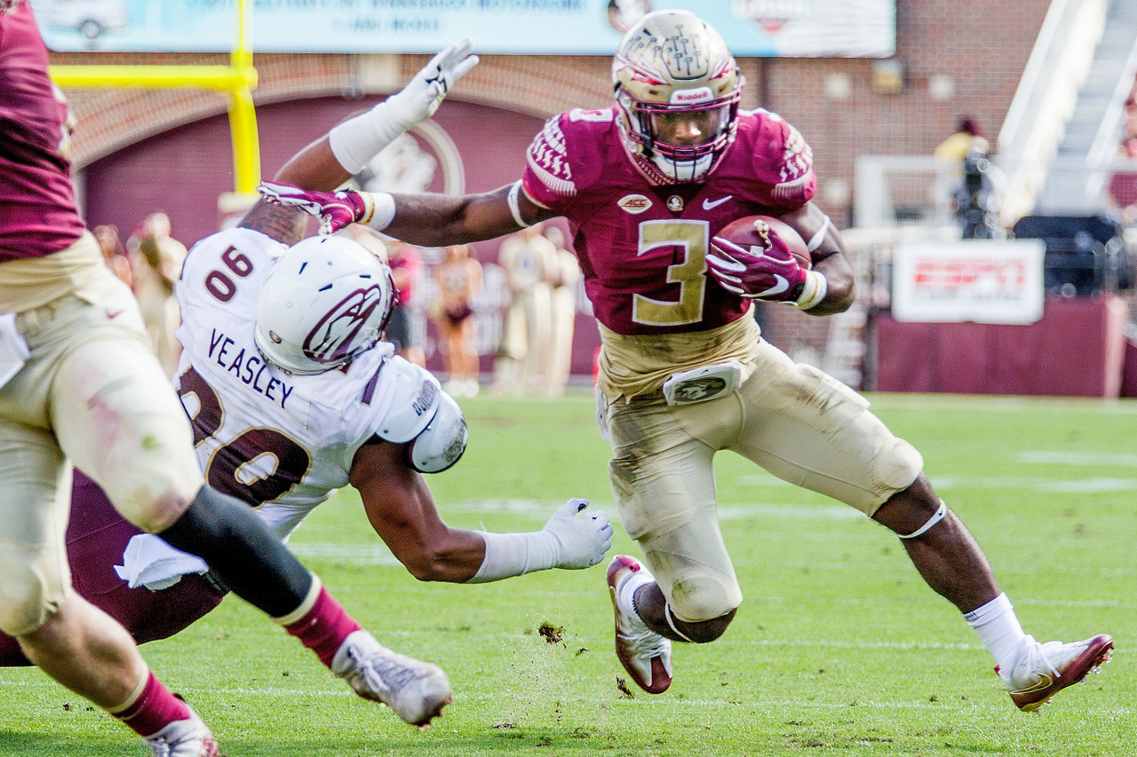 The explosive Akers wasted no time showing why he was the nation's No. 1-ranked running back out of high school in his freshman year at FSU. His 1,024 rushing yards broke Dalvin Cook's FSU freshman record, and he did it with opposing defenses challenging the run more after QB Deondre Francois suffered a season-ending injury in Week 1. In the first of his four 100-yard games, he was credited with 11 broken tackles against ACC Coastal Division champ Miami. If Akers is in the Heisman hunt late in the season, a Nov. 10 game against Notre Dame will draw the eyes of a lot of Heisman voters.