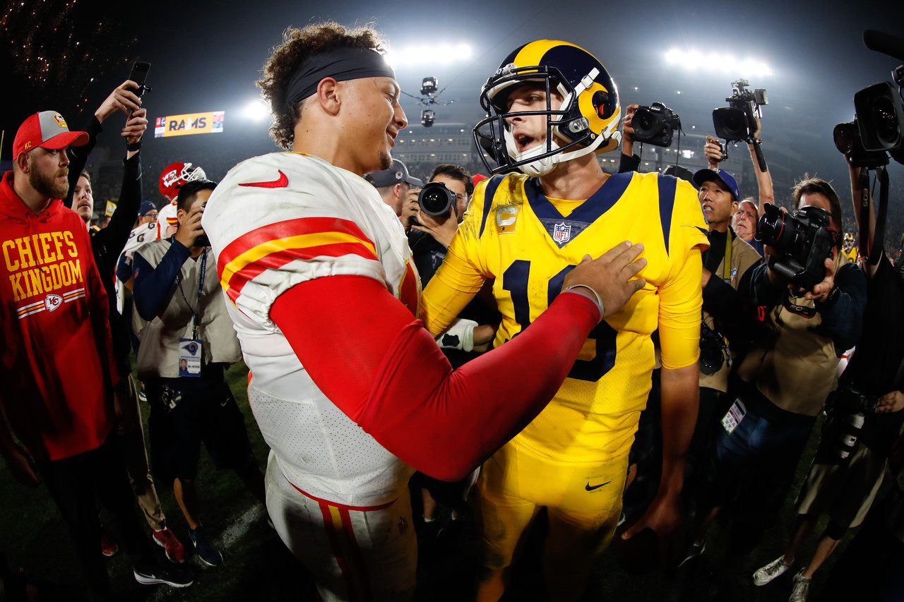 Chiefs quarterback Patrick Mahomes (left) and Rams quarterback Jared Goff shake hands after Los Angeles' win at the Coliseum.