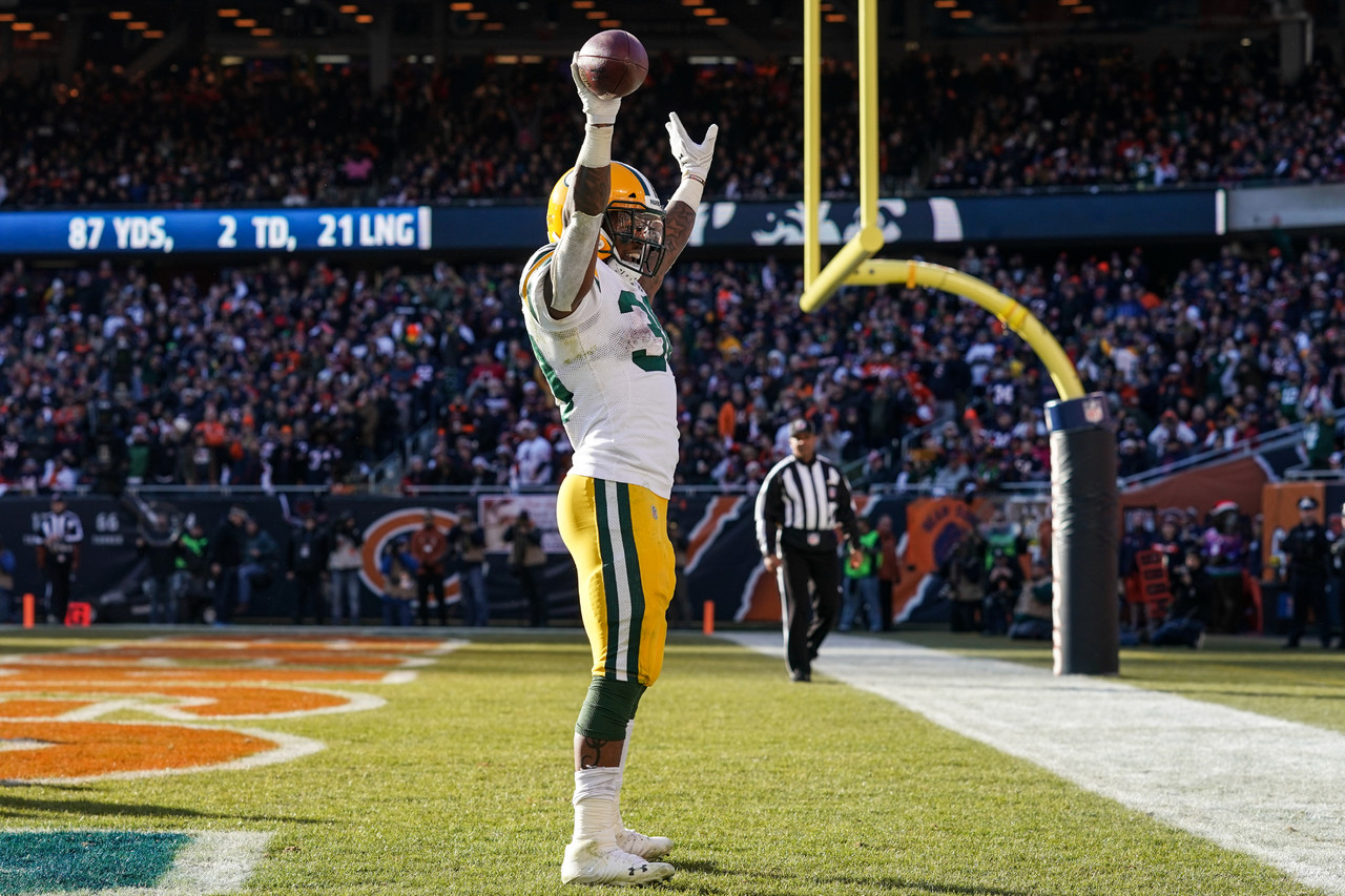 At press time, early reports are not clear on the severity of Aaron Jones' (knee) injury. After the game, Jones mentioned he believes he sprained his MCL again. Whatever the case may be, Jamaal Williams is the top add for Week 16 unless Damien Williams is floating on your league wire. Obviously, Jamaal Williams would rarely leave the field in Week 16 against the Jets if Jones sits out. Williams played on 87 percent of Packers snaps after Jones exited after seven plays last week.