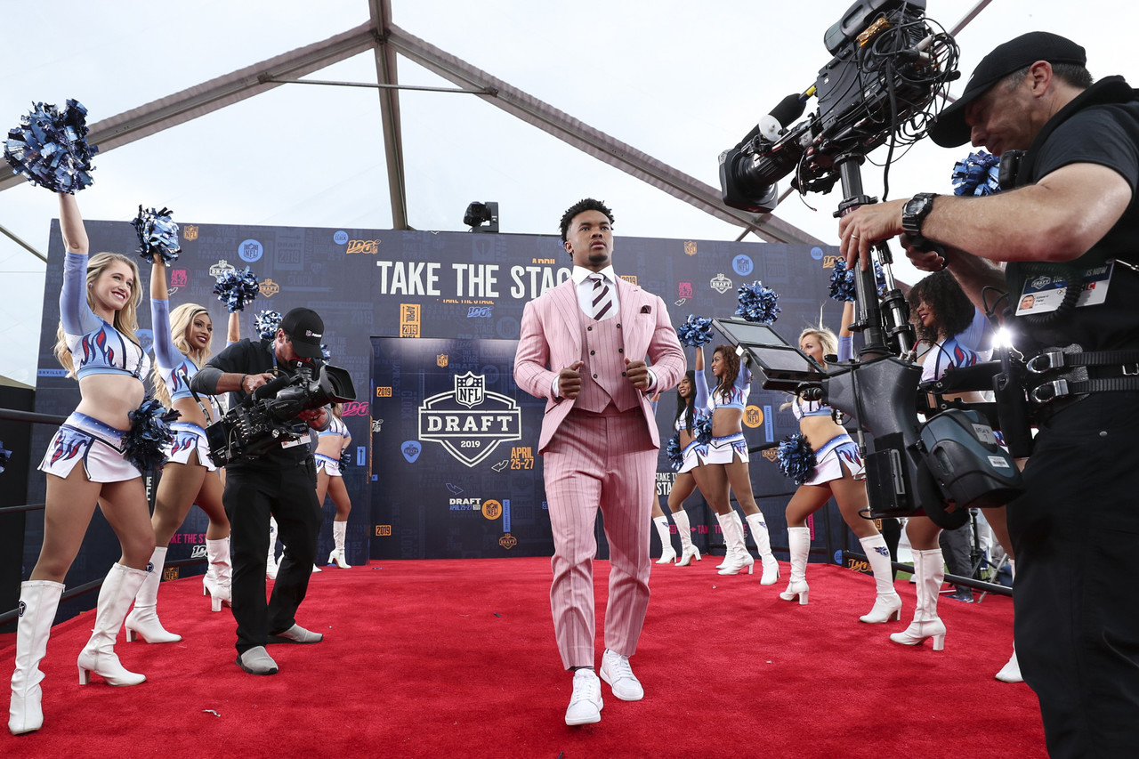 Oklahoma quarterback Kyler Murray arrives on the red carpet during the 2019 NFL Draft on Thursday, April 25, 2019 in Nashville, Tenn.