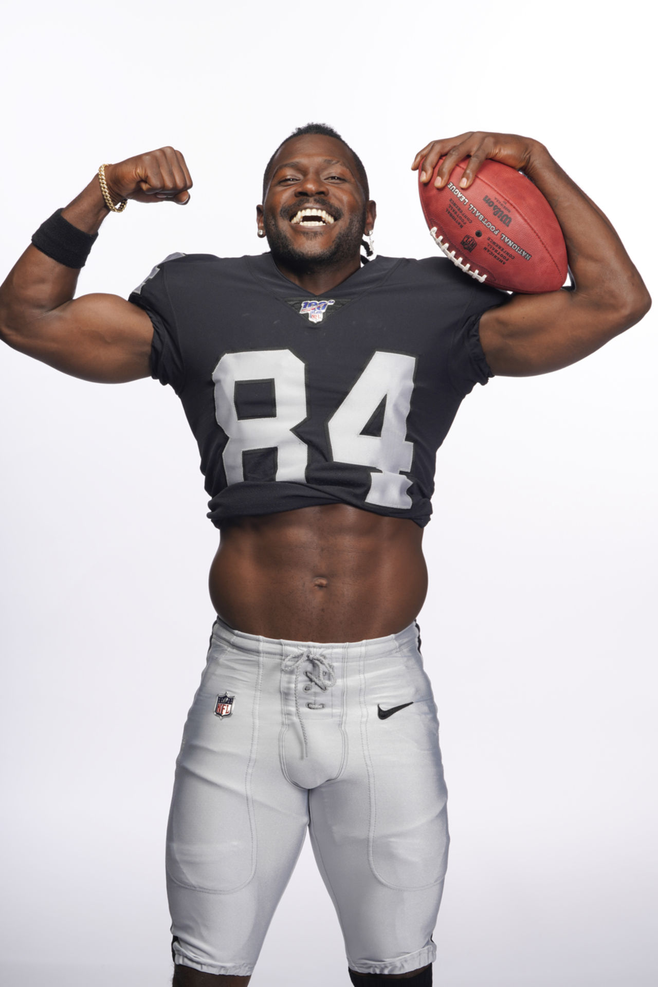 Antonio Brown photo portraits with Oakland Raiders | NFL com
