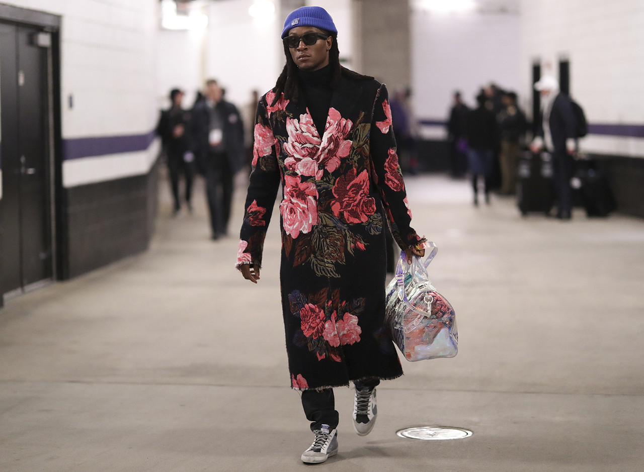Houston Texans wide receiver DeAndre Hopkins (10) arrives to the stadium during an NFL football game against the Baltimore Ravens, Sunday, Nov. 17, 2019 in Baltimore, Md.