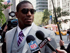 Jonathan Vilma appeared in court Friday, where a judge heard the NFL's motion to dismiss the New Orleans Saints linebacker's lawsuit seeking to overturn his 