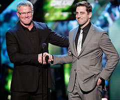 Brett Favre and Aaron Rodgers shared the stage at