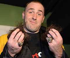 Pittsburgh Steelers defensive end Brett Keisel is rocking a new look after shaving off his iconic beard.