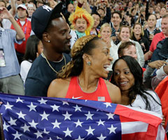 Jacksonville Jaguars CB Aaron Ross celebrates with wife Sanya Richards-Ross at the 2012 Summer Olympic Games. (David J. Phillip/Associated Press)