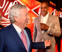 New England Patriots owner Robert Kraft, left, and rap mogul Jay-Z at the red carpet celebrating Jay-Z's 40/40 Club's 10th anniversary. (Kevin Mazur/WireImage)